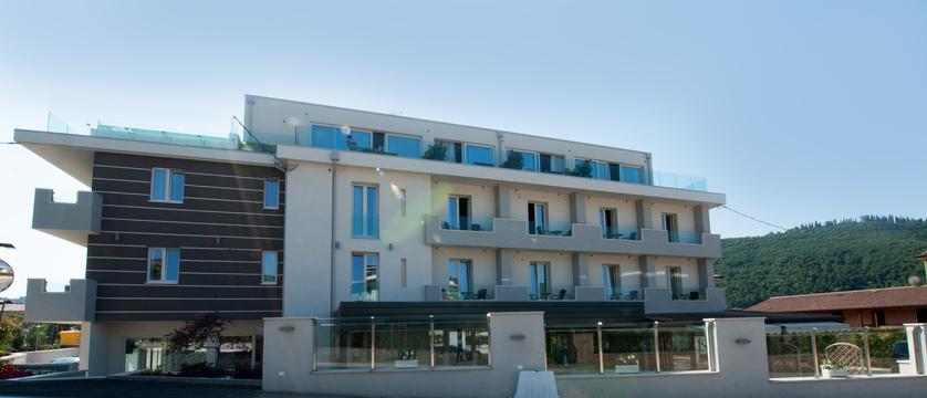 hotel-italia-garda-exterior.jpg